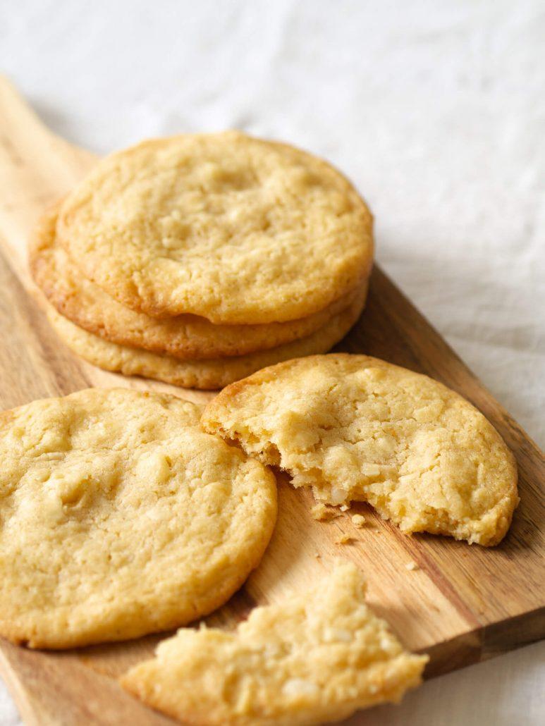 Leckeres Cookies! Das Cookie Rezept mit weißer Schokolade und Macadamia. Super einfach und himmlisch gut.