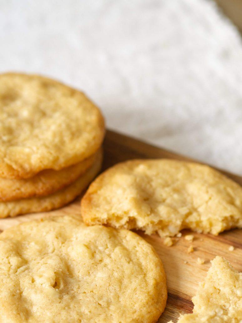 Leckere Cookies! Das perfekte Cookie Rezept mit weißer Schokolade und Macadamia. Super einfach und himmlisch gut.
