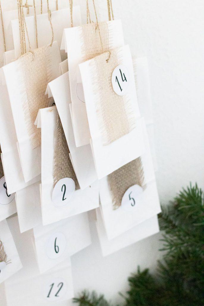Einfache Bastelidee für einen Adventskalender zum befüllen.